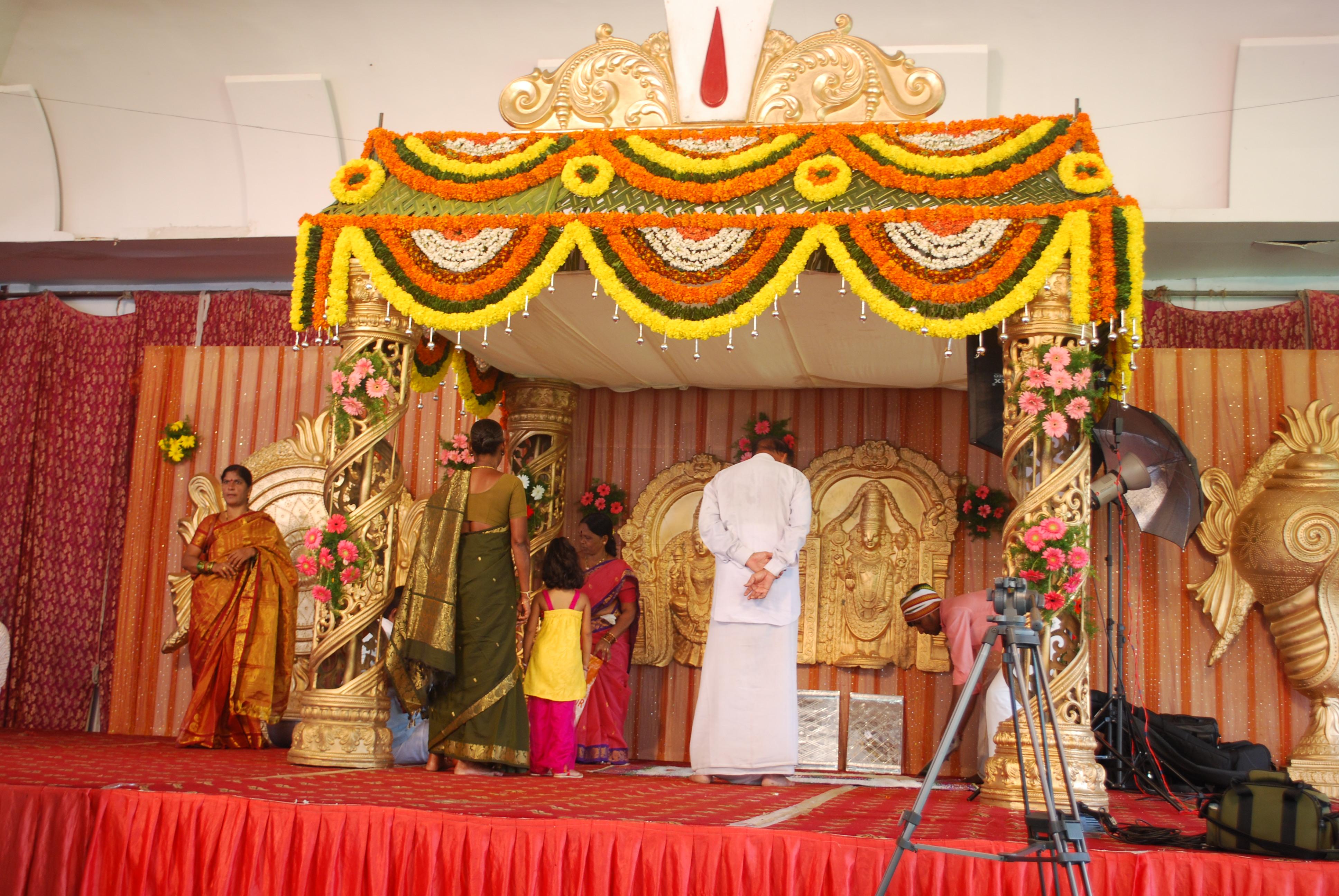 Hindu wedding mandap decorations image collections wedding wedding decoration with coconut leaves image collections wedding elegant hindu wedding stage decoration photos wedding wedding junglespirit Images